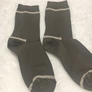 💜Free with Purchase~Light Olive Green Socks